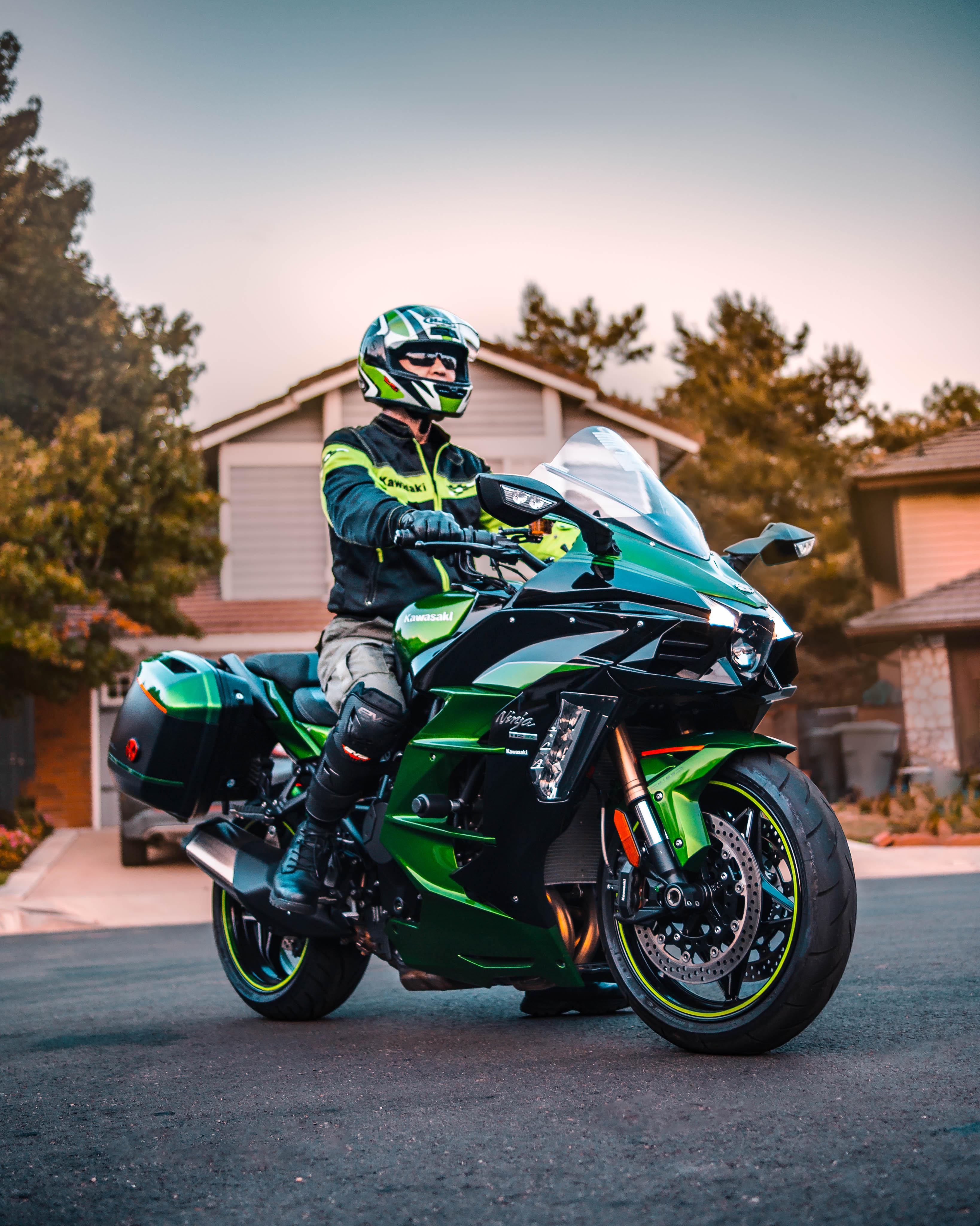 Hobbies <br /> Kawasaki Ninja H2-SX SE supercharged